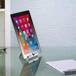 Callstel stellt Multi-Winkel Alu-Tabletständer in die Regale